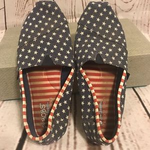 Skechers Bobs Red, White, and Blue Shoes size 9.5
